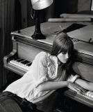 Piano girl 443