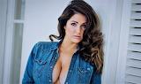 Lucy Pinder women model celebrity face no bra jeans