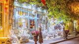 ^ Paris Christmas decorations and lights
