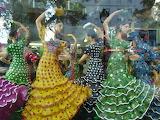 Danseuses de Flamenco dans une vitrine