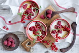Yogurt, raspberry, red currant berries