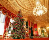 Decorations at Windsor Castle-Glamour-Queen-Christmas-Tree