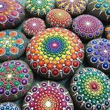 Pietre decorate