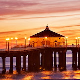 * Manhattan Beach Pier, California...