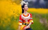 Ethnic-costume-Viet-Nam-field-grass-beauty-girl-photography-wall