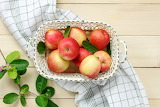 Apples, basket, leaves, branches, fruit