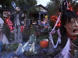 The-Cluttered-Graveyard-halloween-decorations