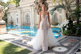Beautiful bold wedding dress-berta