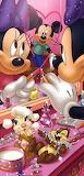 Minnie Hearts Mickey