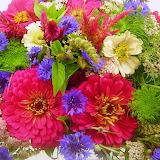 ^ Cut garden flower bouquet