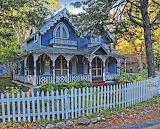 Blue house Martha's Vineyard 2