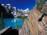 Moraine_Lake_and_Valley_of_the_Ten_Peaks_Banff_National_Park_Can