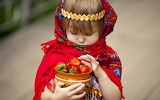 ☺ Strawberry-Picking Festival...