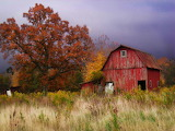 Red barn in Autumn