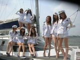 Girls, sailors