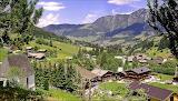 Austria>Pueblo frente a los Alpes