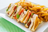 ^ Club sandwich with fries