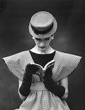 Vintage-black-and-white-women-fashion-photography-nina-leen-19-5