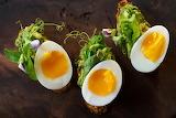 Avocado-toast-soft-boiled-egg