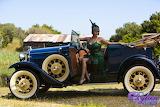 Vintage-girl-brunette-old-car-classic-nature