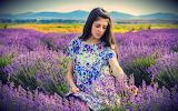 Foto-zomer-wallpapers-hd-zomer-achtergronden-10-vrouw-veld-bloem
