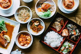Beautiful-vibrant-shot-of-traditional-korean-meals