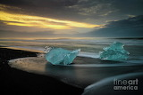 Glacial-ice-duet-on-the-beaches-of-iceland-mike-reid