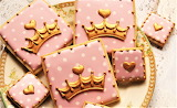 #Pink and Gold Crown Cookies
