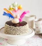 Feather and Easter eggs cake