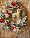 Gold & Red Wreath