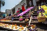 Ecuador, Quito, Plaza Grande, oblation food