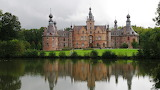 ^ Ooidonk Castle on a gray day, Belgium