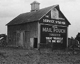 Old Mail Pouch Barn