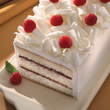 White-chocolate-cake-with-raspberries