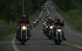 Motoqueros en la ruta