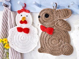Crocheted rabbit and chicken