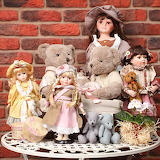 Teddies meet the dolls!