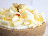 White chocolate banana torte