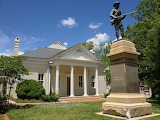 Mecklenberg County Courthouse b 1842, Boydton VA c 2013 by Cnjnv