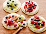 Fruit-pizzas