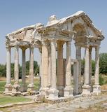 Roman tetrapylon-aphrodisias-turkey