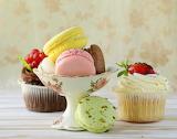 ^ Cupcakes and macarons
