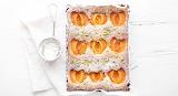 Apricot pistachio cake