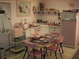 1950s pink retro-kitchen