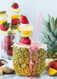 Pineapple coconut strawberry smoothie