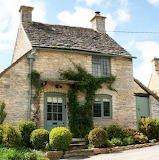 Honey-Pot-Cottage-in-the-Cotswolds-England UK Britain-1