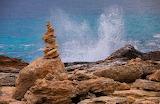 Cairn en bord de mer (Loul)