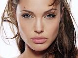 54475-Angelina-Jolie-9-1600x1200