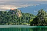 Normal Bled2C le chateau medieval vu depuis le lac