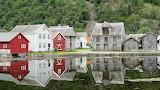 lakeside community